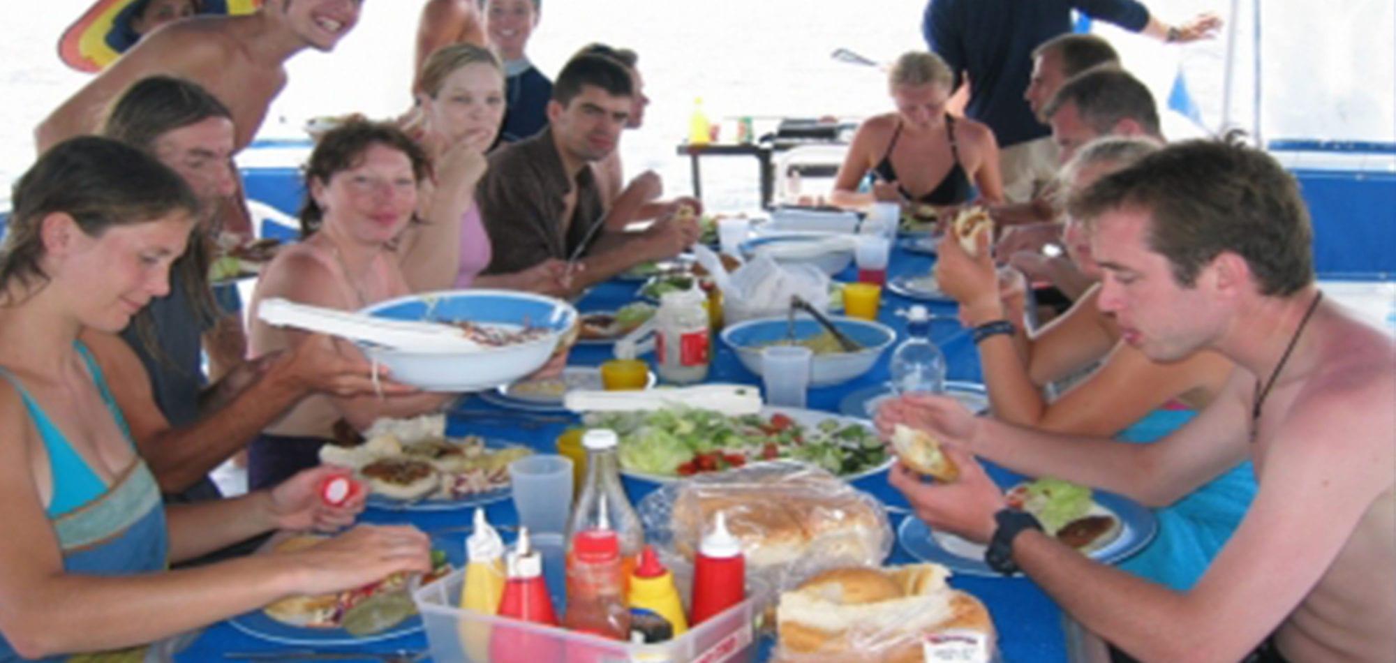 Sea Esta scuba diving trip - Top Side Lunch